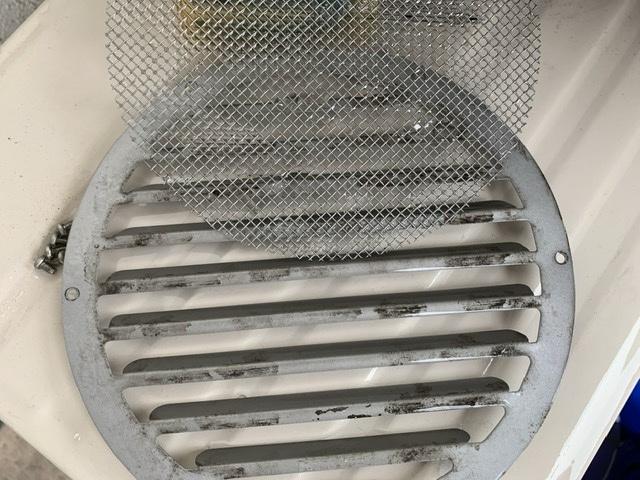 通気口のフィルター掃除